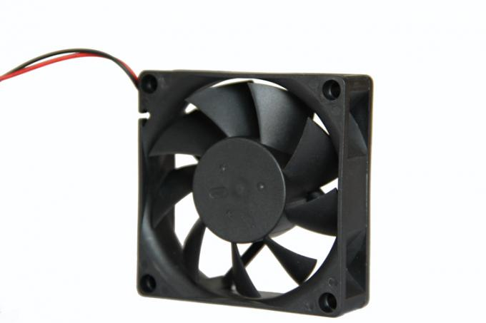 High speed 0.21 inch Dc Brushless Fan 12v CE ROHS 70mm X 70mm X 15mm