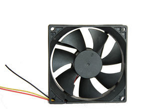 China 12V Auto Cooling DC Axial Fans , Computer Box Brushless Cooling fan Sleeve Bearing supplier
